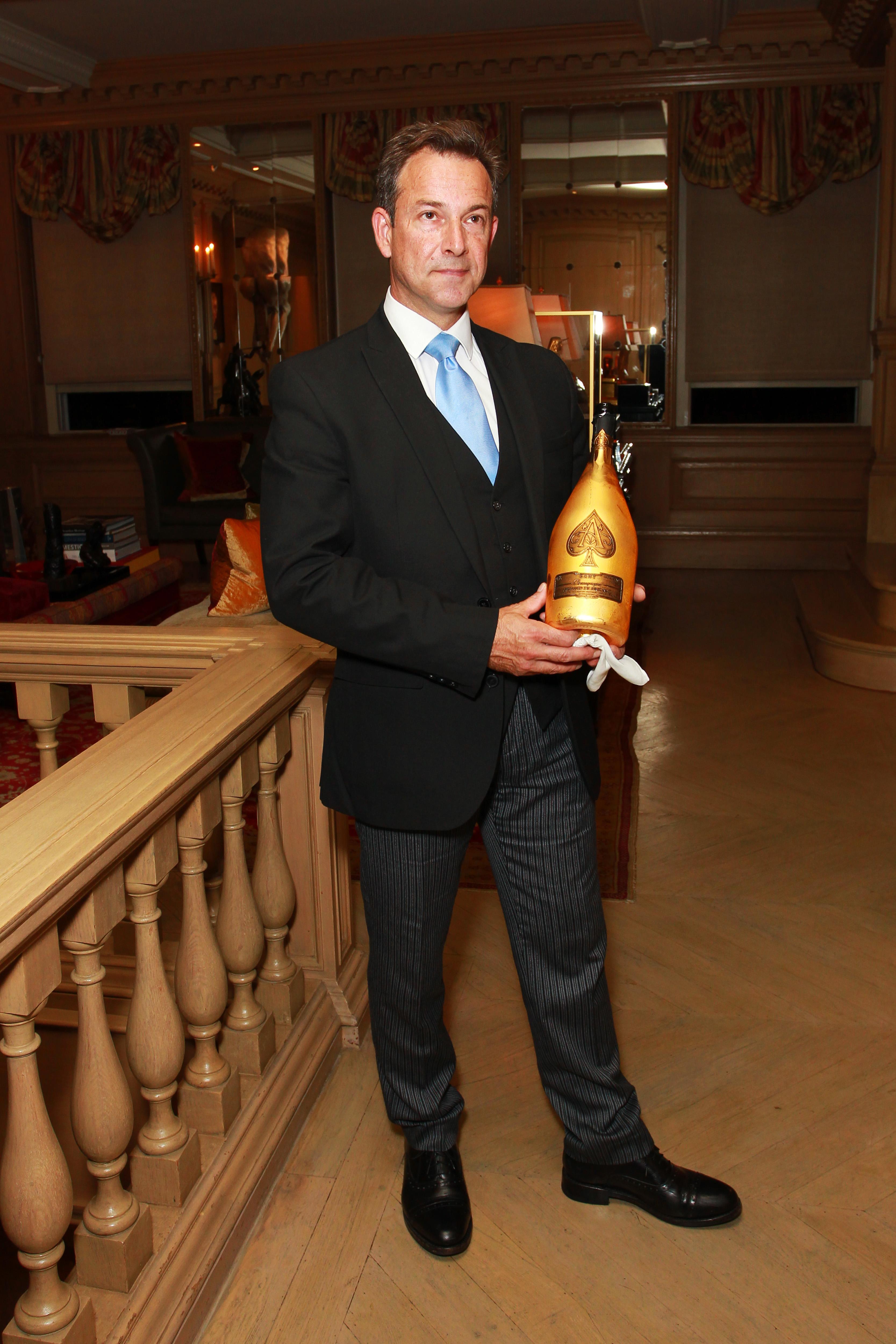 ART COLLECTOR KAMIAR MALEKI AND ARMAND DE BRIGNAC HOST PRESTIGE CHAMPAGNE DINNER, CELEBRATING THE LONDON ART WEEK AND FRIEZE ART FAIR - Armand de Brignac Champagne